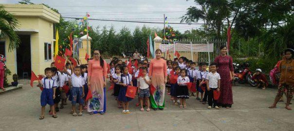 Trường Tiểu học Tân Kiều 1 đón nhận 113 em  học sinh Lớp 1 Năm học 2018-2019