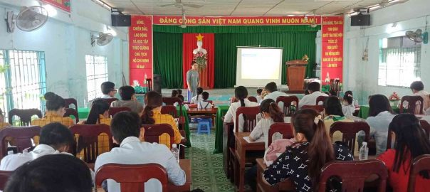 Hình ảnh giáo viên dự hội giảng chuyên môn